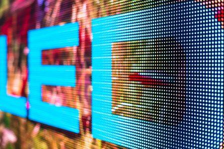 Location écran géant LED plein jour Gard / Hérault pour événements: spectacle, défilé, séminaire, mariage...