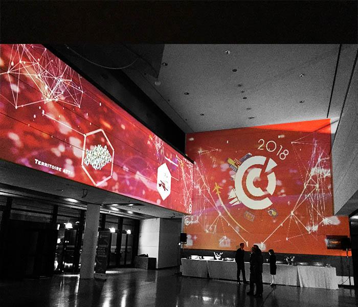 Projection immersive / Mapping avec décors projetés et animés sur murs au Corum.